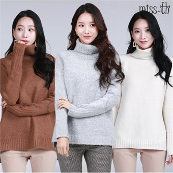 터틀넥 트임 스웨터