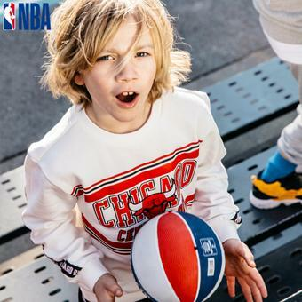 [NBA KIDS] 시카고불스 에센셜 테이프 맨투맨 (K191TS020P)